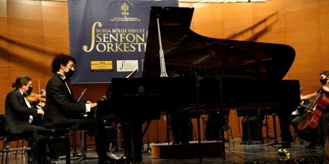 Viyana Klasikleri konserine Özgür Ünaldı damgasını vurdu