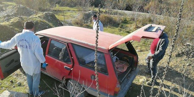 Hırsız yolun sonunu gördü aracı bırakıp kaçtı