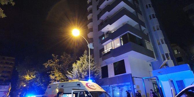 Adana'da kahreden olay. Yan odada oturan anne babası sesleri duydu