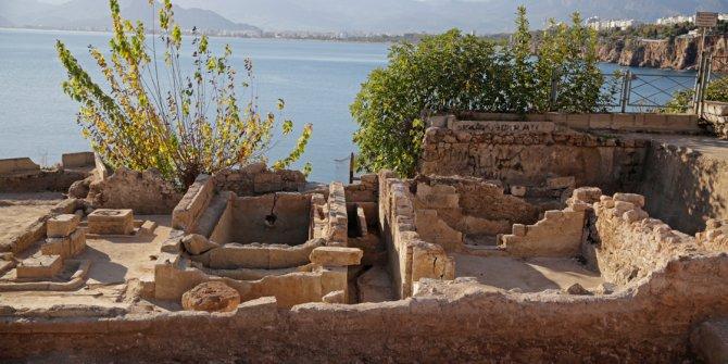 Artık 93 yıllık yapılar arkeolojik kazılarda bulunuyor