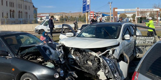 Sivas'ta zincirleme kaza
