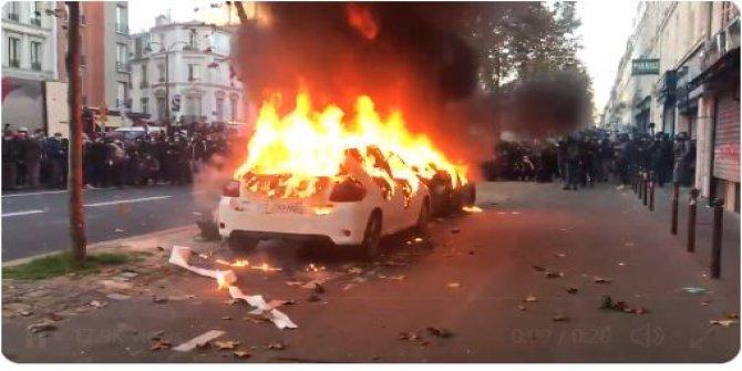 Paris'te halk ayaklandı. Ortalık fena karıştı