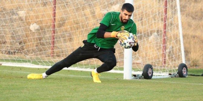 Yeni Malatyaspor'un genç kalecisi Abdulsamed Damlu'dan kötü haber