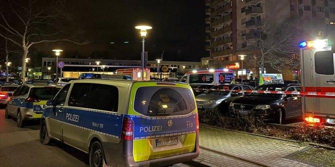 Almanya'da kırmızı alarm! Araç kalabalığın arasına daldı