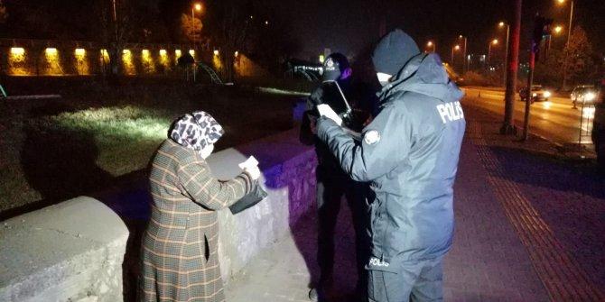 Karantinada olması gereken kadın kısıtlamaya rağmen takside yakalandı
