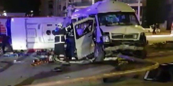 Hatay'da feci kaza! Midibüs ile minibüs çarpıştı