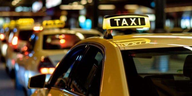 Sürücüsüz taksiler Çin'de yola çıktı