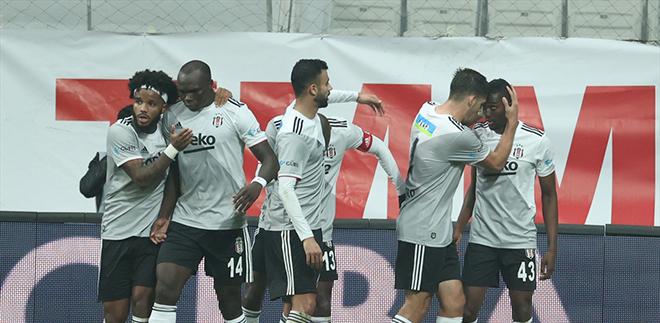Beşiktaş'tan bir galibiyet de Kasımpaşa'ya karşı geldi. Galibiyetleri seriye bağladı