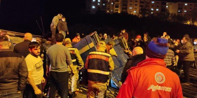 Trabzon'da demir yüklü TIR devrildi: Sürücüsü hayatını kaybetti