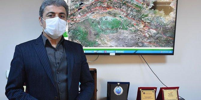 Dedikleri bir bir çıkan deprem uzmanı Hasan Sözbilir, Antalya'daki büyük depremin yıkıcı hattını açıkladı. Bir daha büyük deprem olacak mı?