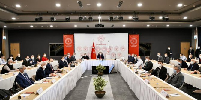 Sağlık Bakanı Fahrettin Koca'dan İstanbul'a bir iyi bir de kötü haber