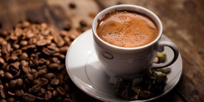 Bakın ömrümüzün kaç saati kahve içerek geçiyor?