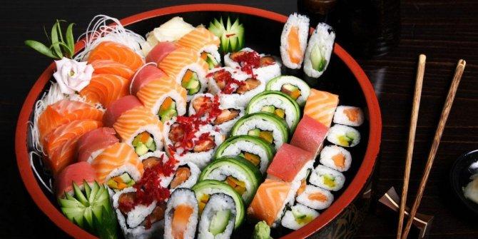Sushi (Suşi) nasıl yapılır. MasterChef evde Sushi (Suşi) tarifi ve kullanılan malzemeler. Sushi (Suşi) yapımının püf noktaları