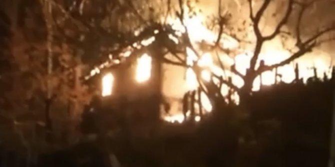 Sobadan çıkan ateş evi kül etti