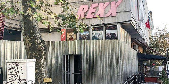 Rexx Sineması'nda yıkım başladı. Bir tarih yıkılıyor