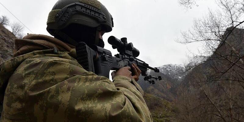 Terör örgütü PKK'dan kaçan 4 terörist teslim oldu