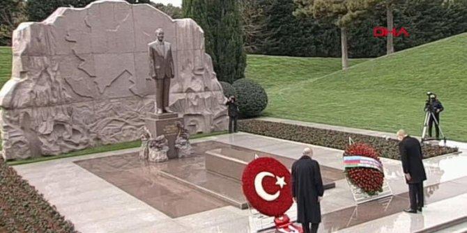 Erdoğan'dan Haydar Aliyev'in kabrine ziyaret