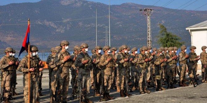 Komandolar Barış Gücü Harekatı kapsamında dualarla Suriye'ye uğurlandı