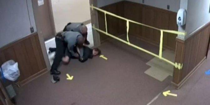 ABD polisi nöbet geçiren genci gözaltına aldı. Tepki seli yaşandı