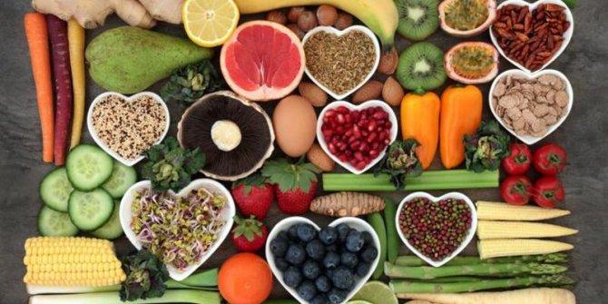Bağışıklığı çökertiyor, kalbe zarar veriyor. Bu besinleri sakın aç karnına tüketmeyin