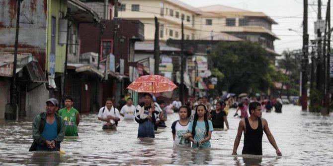 Filipinler'i sel vurdu: 5 ölü