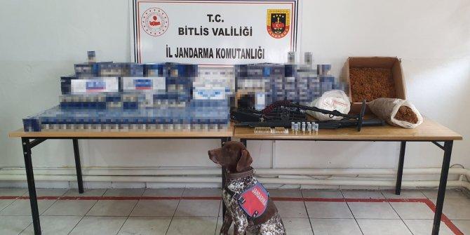Adilcevaz'da 2 bin 170 paket kaçak sigara ve av tüfeği ele geçirildi