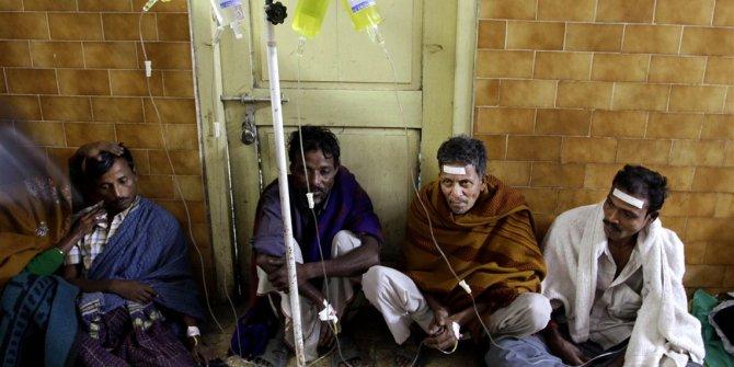 Hindistan'da sahte içki tüketen 11 kişi hayatını kaybetti