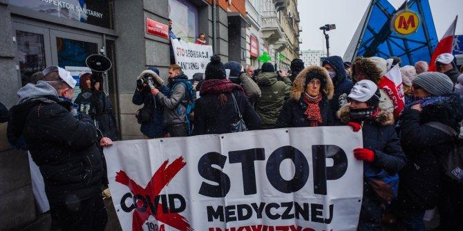 Polonya'da korona önlemleri protesto edildi