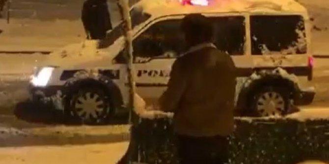 Vatandaşlar ve polisler karın keyfini çıkardı