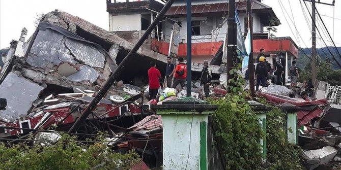 Endonezya'da deprem bilançosu ağırlaşıyor. Arama kurtarma çalışmaları devam ediyor