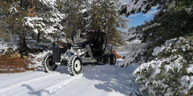 Elazığ'da 94 köy yolu kar nedeniyle ulaşıma kapandı