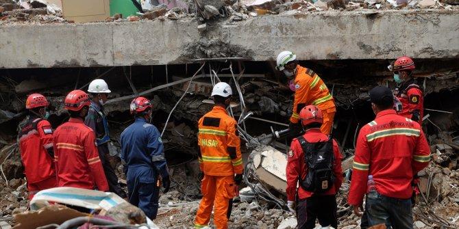 Endonezya'daki depremde ölenlerin sayısı 81'e çıktı