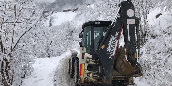 Karadeniz'de kar esareti. 458 köy yolu kapandı