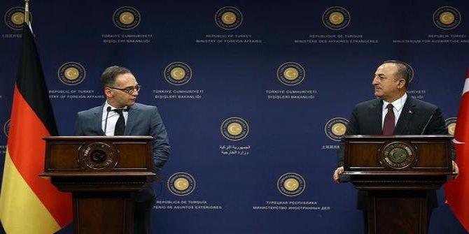 Çavuşoğlu ve Alman mevkidaşı açıklama yapıyor