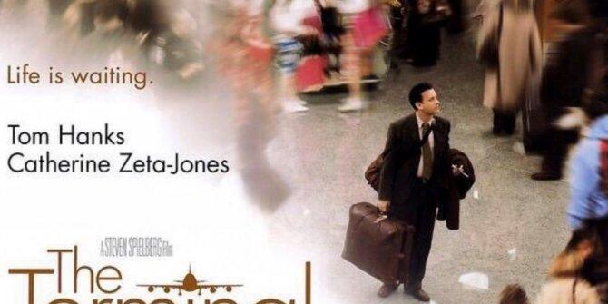 Tom Hanks oynadığı Terminal filmi gerçek oldu. Korona korkusu buna da yaptırdı