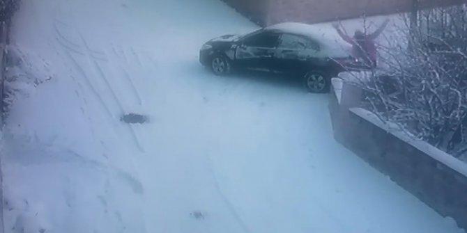 İstanbul Arnavutköy'de buzlu yolda kayan aracını durdurmak isterken ölümden döndü