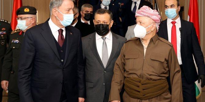 Milli Savunma Bakanı Hulusi Akar Mesut Barzani ile görüştü