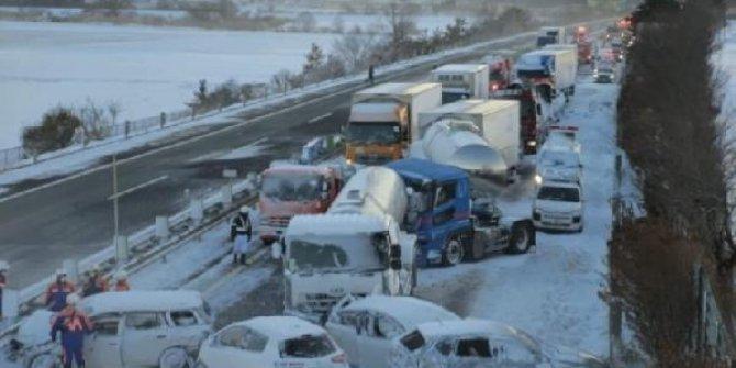 Yok böyle kaza  130 araç birbirine girdi