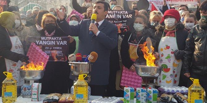 İYİ Partili Türkoğlu, mutfakta yangını kalem kalem açıkladı