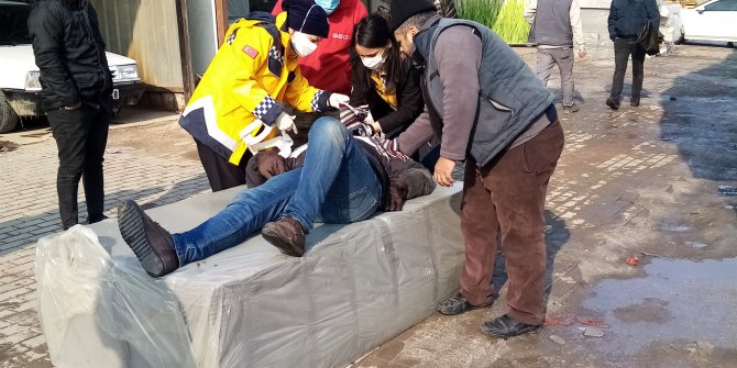 Bursa'da üzerine sünger düşen motorcunun kemikleri kırıldı. Tehlike havadan geldi