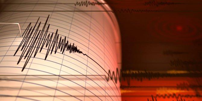 Muğla Marmaris'te korkutan deprem