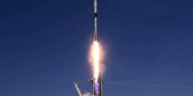 SpaceX, 60 internet uydusunu daha uzaya fırlattı