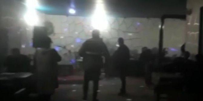 Yasağa rağmen açık olan restoranda bulunan 21 kişiye para cezası