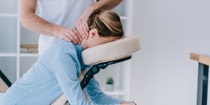 Uzman fizyoterapist Onur Salman Körtelli açıkladı. Bel ve sırt ağrılarından kurtulmanın formülünü verdi