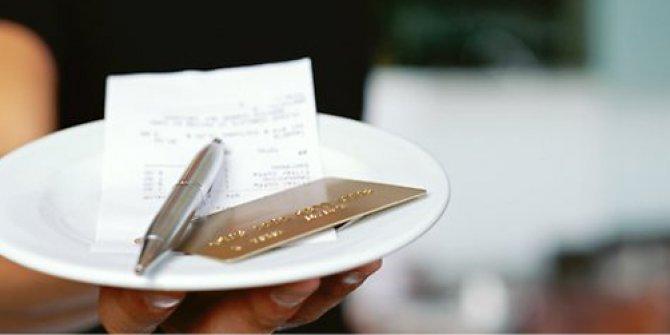 Cömert adam 148 liralık hesaba 10 bin lira bahşiş bıraktı. Restoran çalışanları bile şaşırdı