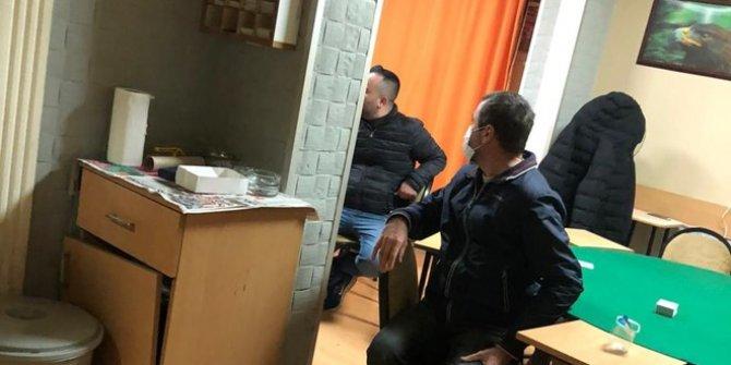 Yasaklarda evde kumar oynayan 15 kişiye ceza