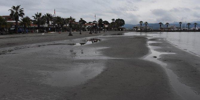 Muğla'da deniz suyu yine metrelerce çekildi