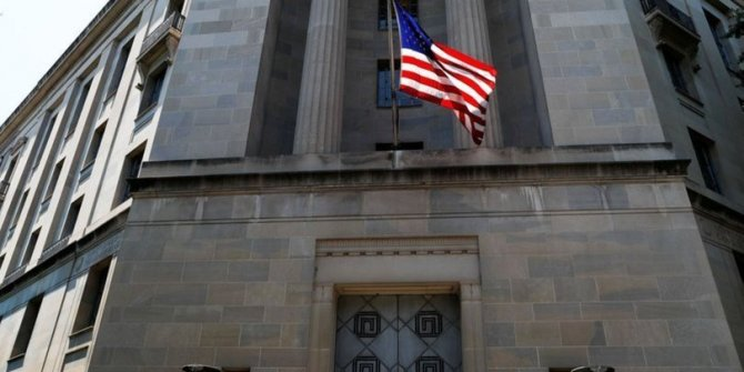 New York Times yazarı İran ajanı çıktı. Banka hesabında milyon dolarlar tespit edildi