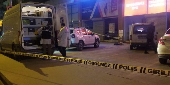 Genç kız otelin 8. katından ölüme uçtu. 2'si kız 4 kişi gözaltında
