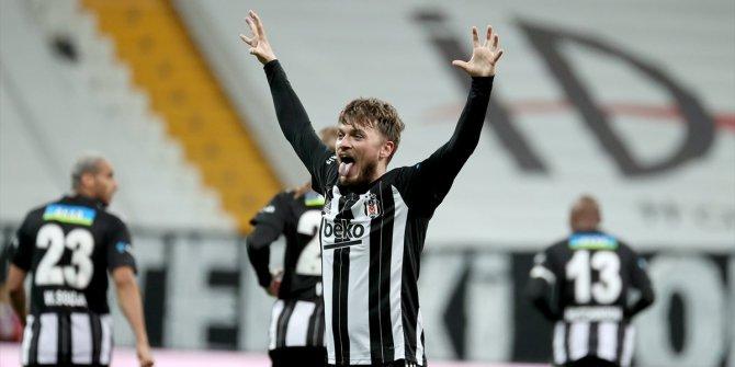 İstenmeyen adam Adem Ljajic'in geri dönüşü muhteşem oldu. Beşiktaş'ı ipten aldı